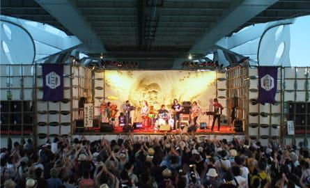 橋の下世界音楽祭