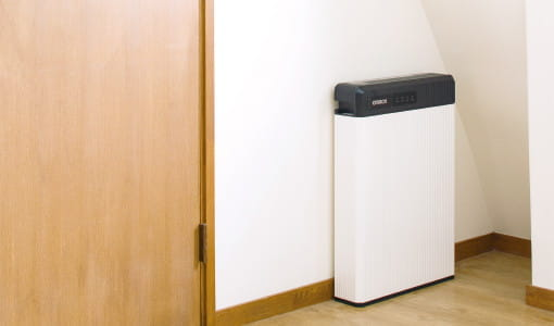 OMRONハイブリッド蓄電システムKP55Sはコンパクトサイズ